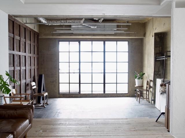 シエル-黒格子窓1