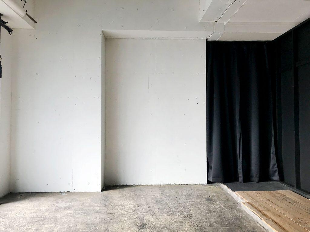 CIEL(シエル・自由が丘)白壁裏の倉庫スペースが少し綺麗になりました。